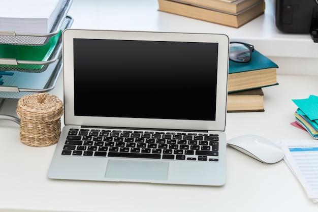 Schreibtisch des kreativen arbeiters