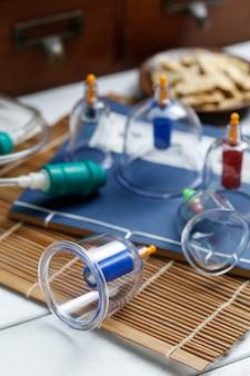Schröpfende therapie der traditionellen chinesischen medizin