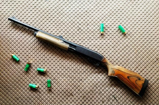 Schrotflinte und kugeln