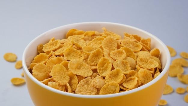 Schüssel cornflakes, draufsicht