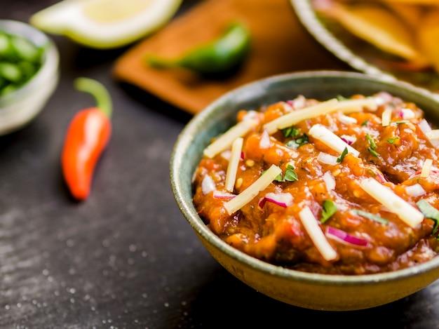 Schüssel hausgemachte salsa