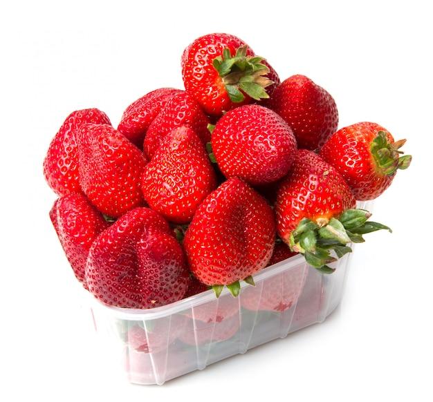 Schüssel mit frischer erdbeere