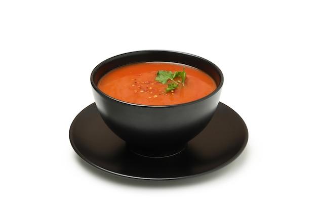 Schüssel tomatensuppe lokalisiert auf weiß