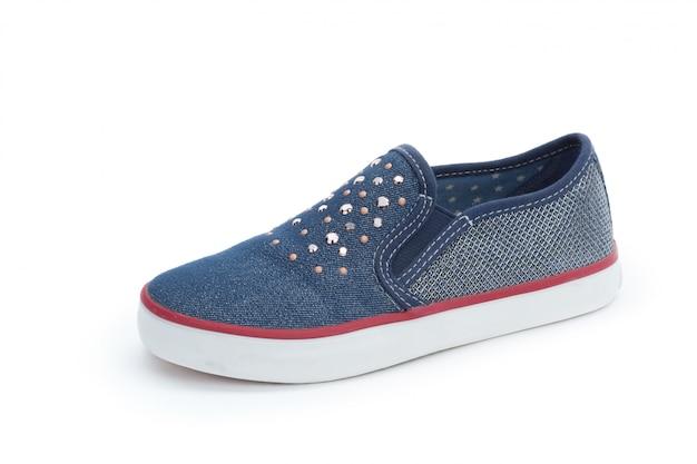 Schuhe der modernen frauen getrennt auf weiß