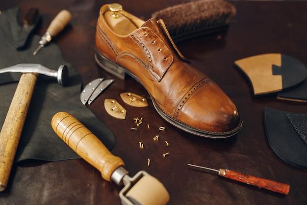 Schuhmacherberuf, schuhreparaturservice-ausrüstung