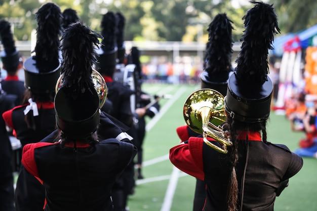 Schulblaskapelle spielen musik und parade