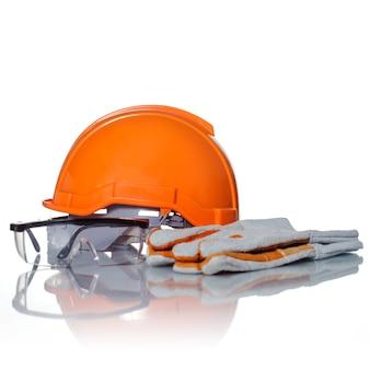Schutzhelm und schutzbrille