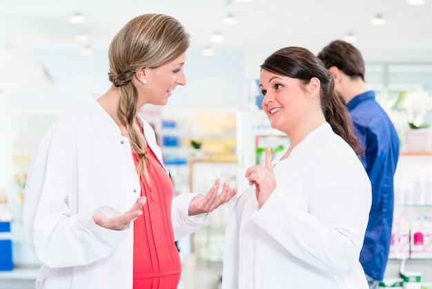 Schwangerer apotheker im schützenden beschäftigungsverbot