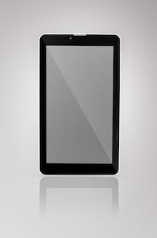 Schwarz ein tablet mit reflektion auf einem dunklen hintergrund nahaufnahme