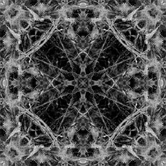 Schwarz gemusterte bodenfliesen aus marmor in der natur