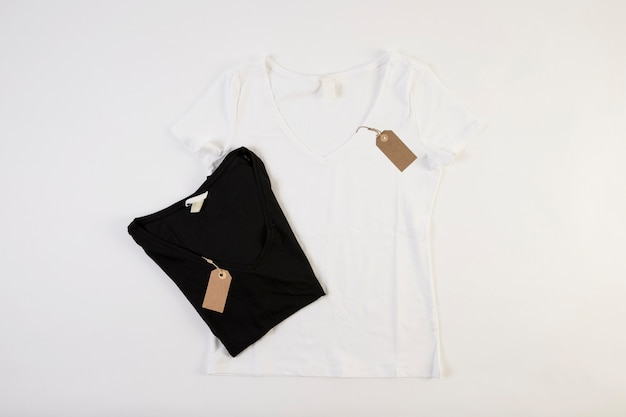 Schwarz-weiß-t-shirts