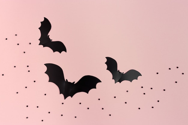 Schwarze fledermäuse für halloween-party
