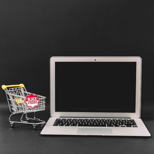 Schwarze freitag rabatt zusammensetzung mit laptop