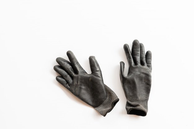 Schwarze handschuhe auf weiß