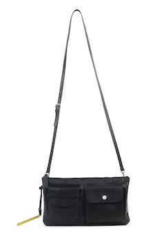 Schwarze lederne weibliche handtasche lokalisiert auf weißem hintergrund