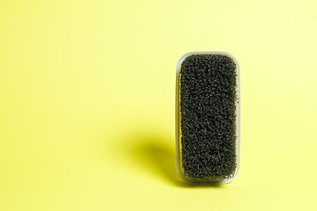 Schwarze nubuk-wildlederbürste mit harten borsten