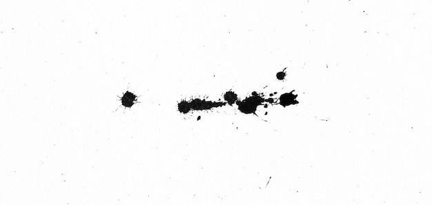 Schwarze tintenform auf aquarellpapierbeschaffenheit