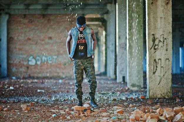 Schwarzer afroamerikanischer gangsta-rap-sänger