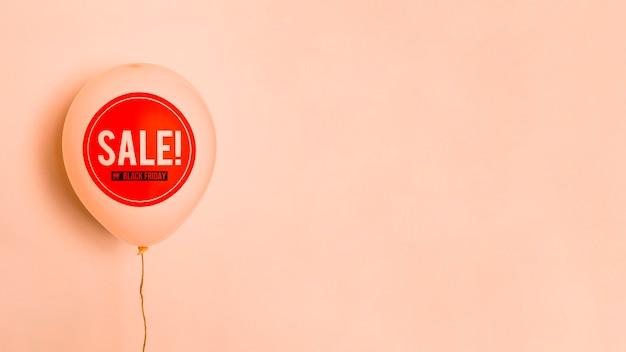 Schwarzer freitag-verkaufsballon mit kopienraum