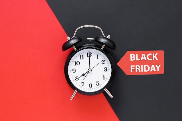 Schwarzer freitag-wecker mit aufkleber