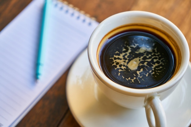 Schwarzer kaffee gourmet-kaffee heißes getränk schreib