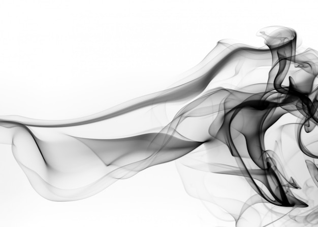 Schwarzer rauchabstraktion auf weißem hintergrund