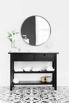 Schwarzer schrank mit spiegel