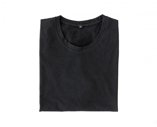 Schwarzes gefaltetes t-shirt