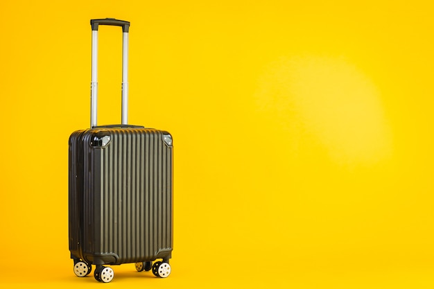 Schwarzes gepäck oder gepäcktasche für transportreisen