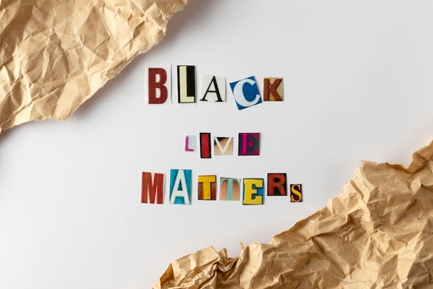 Schwarzes leben materiekonzept mit buchstaben