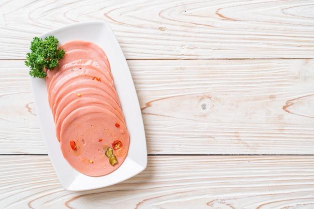 Schweinefleisch bologna mit chili