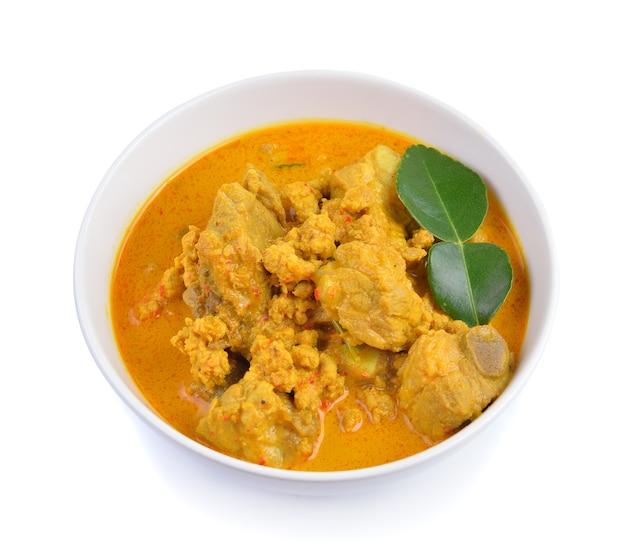Schweinerippchen curry mit kurkuma und kokoscreme