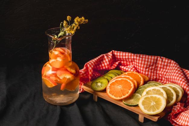 Schwermütiges obststillleben