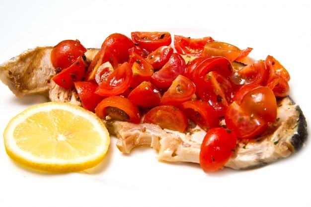 Schwertfisch mit tomaten