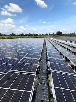 Schwimmende photovoltaik-solaranlagen schwimmende solar-pv-anlage