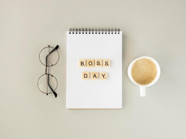 Scrabble-nachricht für das boss-day-event