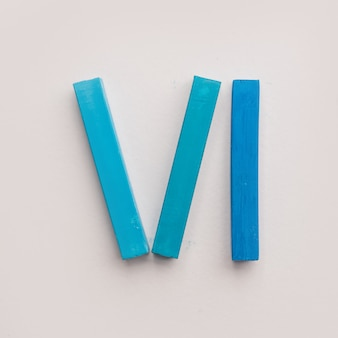 Sechs stücke blaue pastellkreide kreide