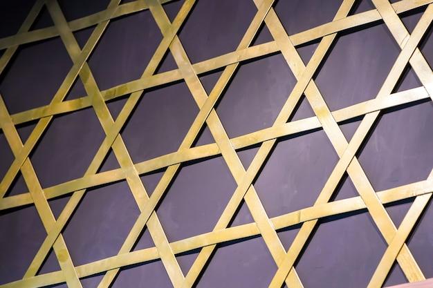 Sechseckiger stern auf schwarzem hintergrund wird durch bambusflachstab erstellt