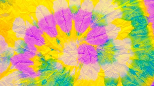 Sechziger stoff. türkisfarbener tie-dye. gelber aufregender effekt. blaugrünes aquarell. roter pop-hintergrund. rosa fröhlicher druck. oranger heller rahmen. kalkpigment. grüner sixties-stoff.