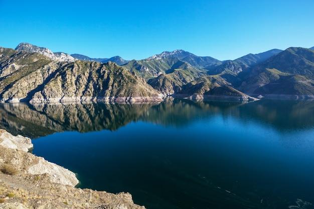 See in der türkei. schöne berglandschaften.