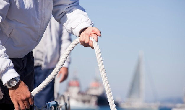 Seeleute an deck