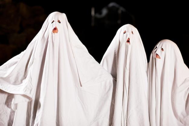 Sehr gruselige spooks zu halloween