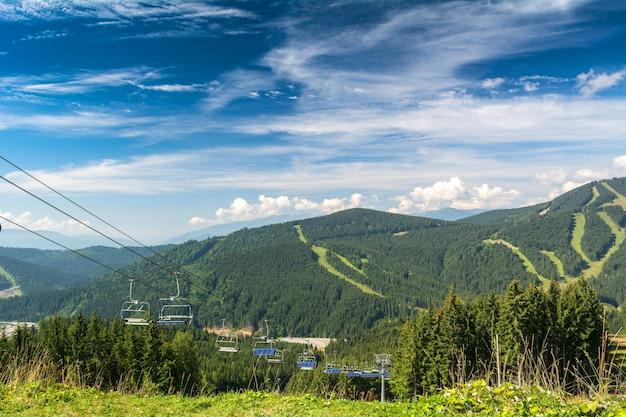 Seilbahn im skigebiet