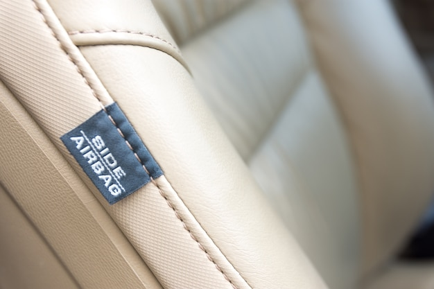 Seiten-auto-airbag-umbau. moderne auto-sicherheitsfunktion