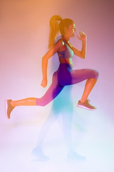 Seitenansicht des athleten sprintend