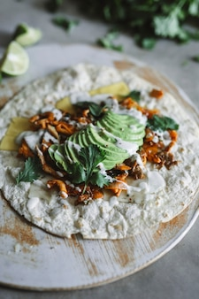Selbst gemachte pilz quesadilla nahrungsmittelphotographie-rezeptidee
