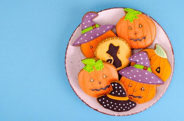 Selbst gemachter lebkuchen mit bildern für halloween