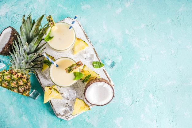 Selbst gemachtes pina colada cocktail