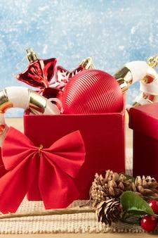 Selektiver fokus des glücklichen weihnachtshintergrundes