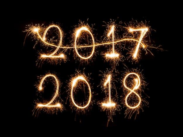 Sende 2017, willkommen 2018 feuerwerk
